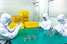 class 10,000, ISO certified cleanroom for hygienic vacuum components